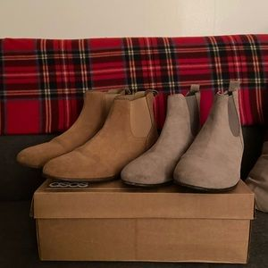 URBAN OUTFITTERS Chelsea boot bundle.
